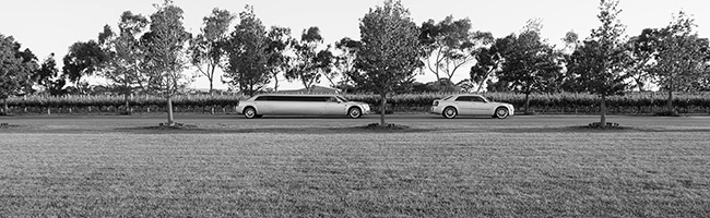 silve chrysler limo, sedan, 300c